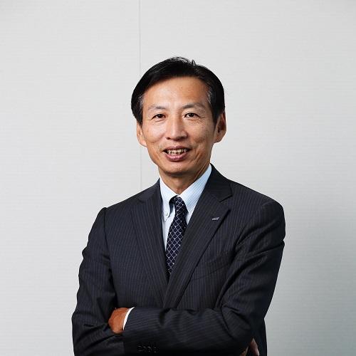 山田邦雄氏